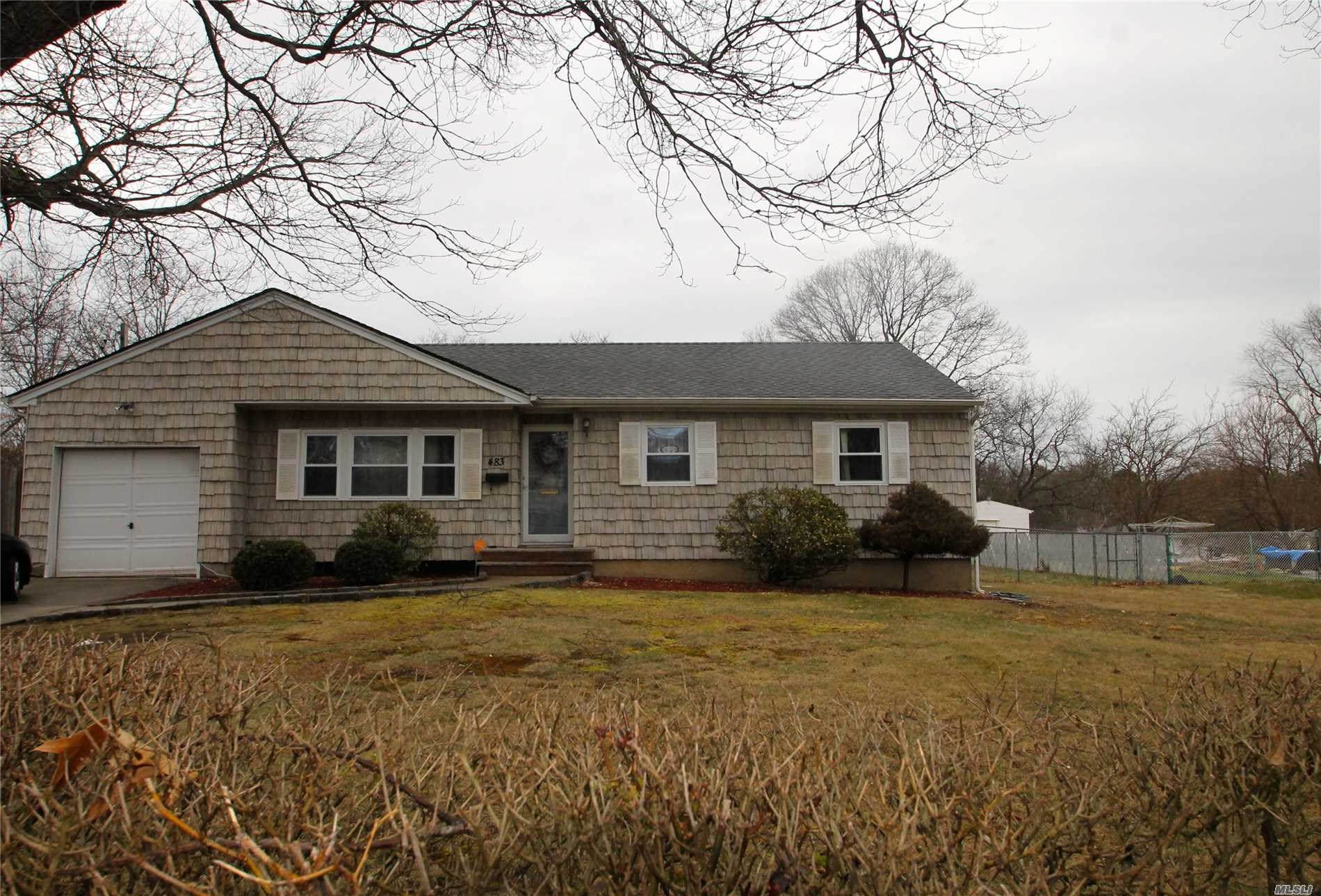 483 Ralph Ave,  Central Islip <font color =